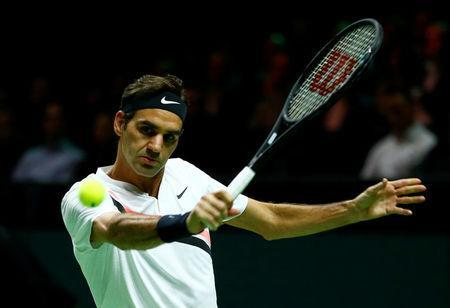Tennis - ATP 500 - Rotterdam Open - Quarterfinal - Ahoy, Rotterdam, Netherlands - February 16, 2018 Roger Federer of Switzerland in action against Robin Haase of the Netherlands. REUTERS/Michael Kooren - RC16AF739900