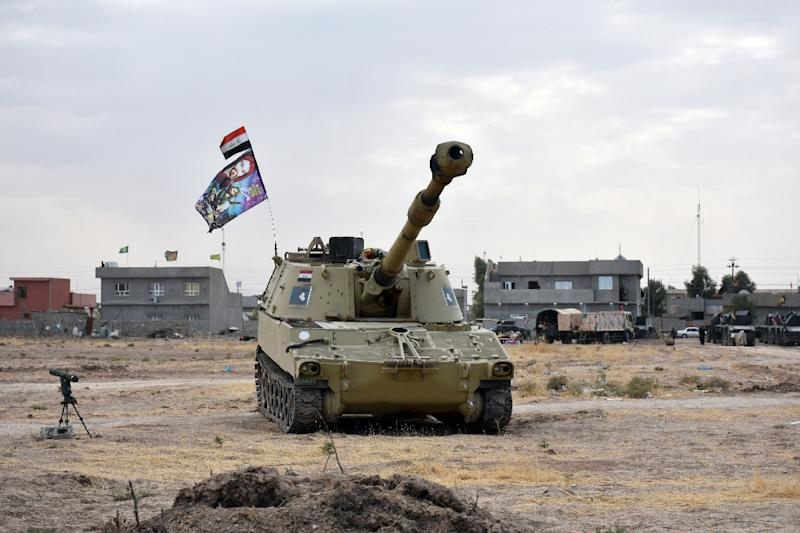An Iraqi army tank is seen near a former Kurdish military position on October 13, 2017 in the northern town of Taza Khurmatu in Iraq's oil-rich multi-ethnic province of Kirkuk (AFP Photo/Marwan IBRAHIM)