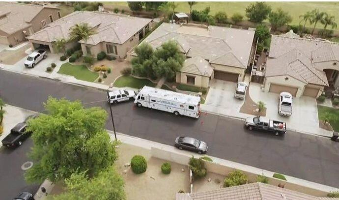 While estranged from Lori, Charles is shot to death in Lori's Arizona home on July 11, 2019, by Lori's brother Alex Cox. Cox claims self-defense in the shooting, which occurs while he, Lori, and Lori and Charles' children J.J. and Tylee are inside the residence. Cox is not charged.