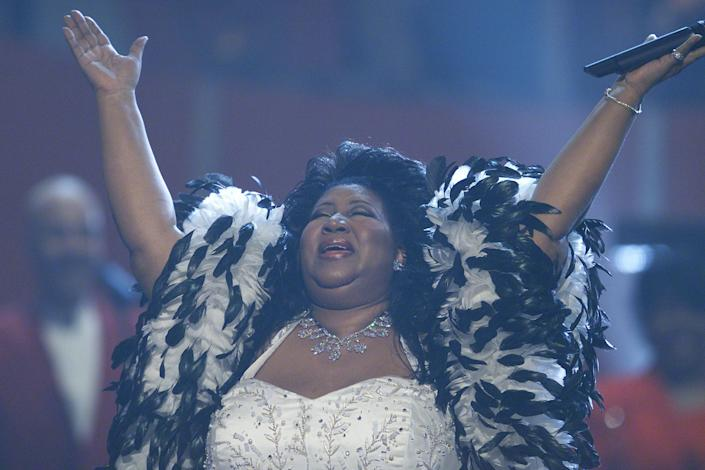 "Performing at ""VH1 Divas Live: The One and Only Aretha Franklin"" held at Radio City Music Hall in New York City in 2001."
