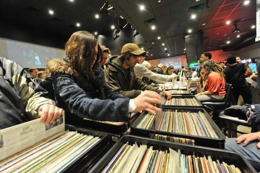 Vinyl sales rare bright spot for US music industry
