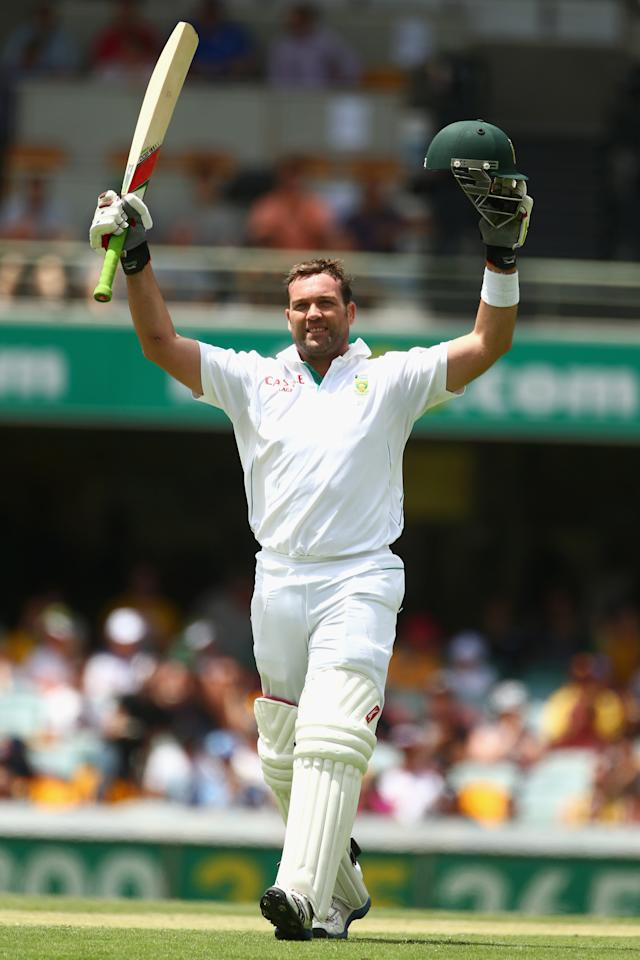 BRISBANE, AUSTRALIA - NOVEMBER 11:  Jacques Kallis of South Africa celebrates his century during day three of the First Test match between Australia and South Africa at The Gabba on November 11, 2012 in Brisbane, Australia.  (Photo by Mark Kolbe/Getty Images)