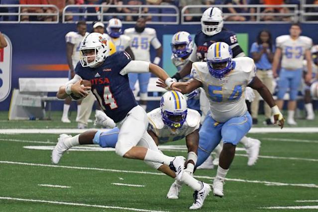 Roadrunners roll past Southern in Home Opener