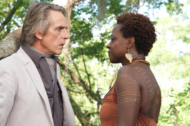 """This film image released by Warner Bros. Pictures shows Jeremy Irons, left, and Viola Davis in a scene from """"Beautiful Creatures."""" (AP Photo/Warner Bros. Pictures, John Bramley)"""