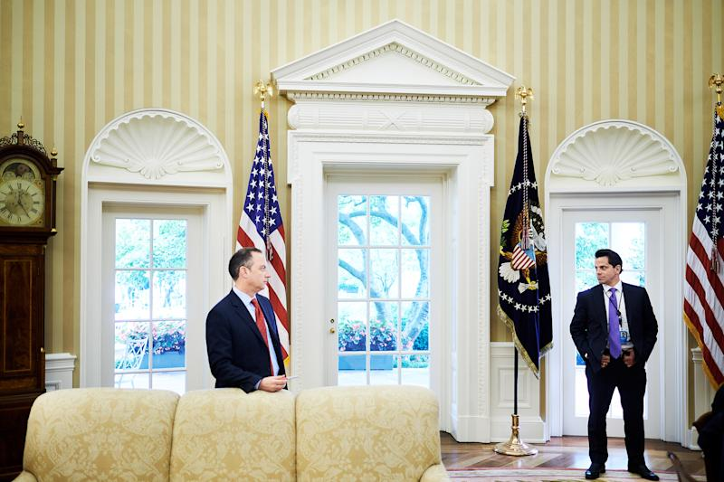 This Photo Perfectly Captures the Tension at the White House Right Now