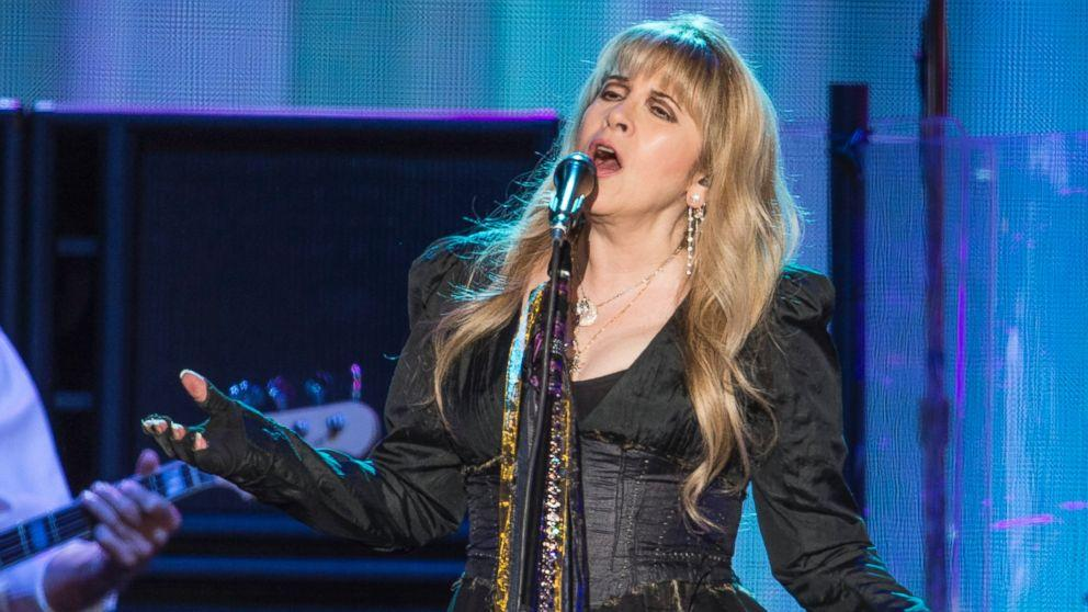 Stevie Nicks Shocks 'School of Rock' Audience With Surprise Performance (ABC News)