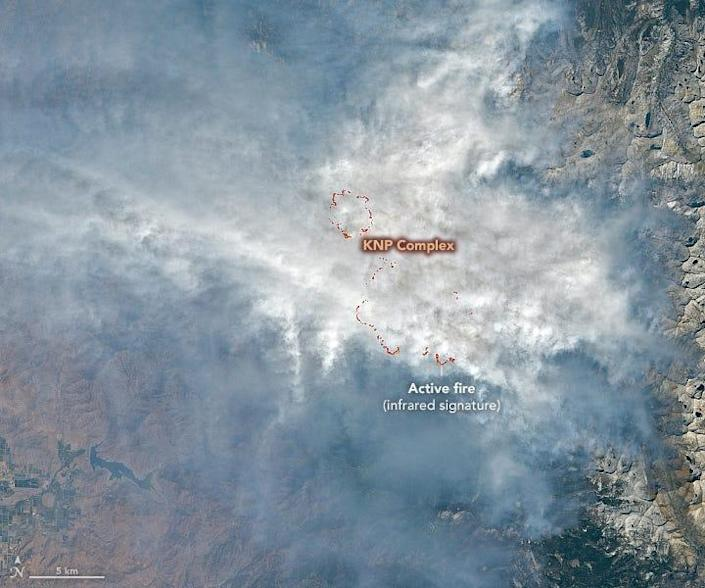 A satellite image of the KNP Complex fire in California