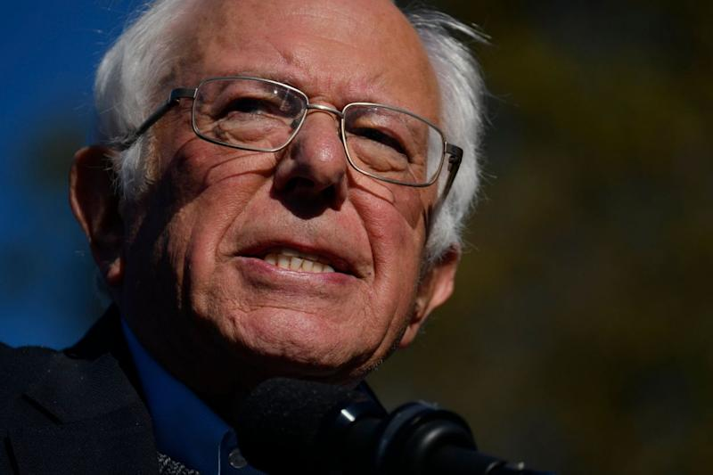 Bernie Sanders Defends Tulsi Gabbard Against Hillary Clinton's Comments