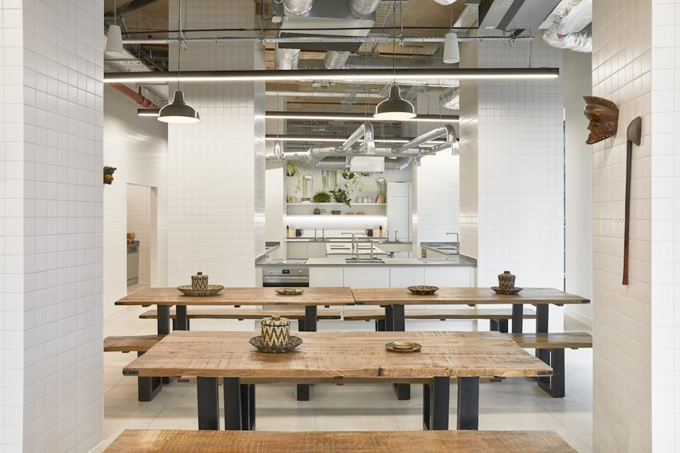 The Collective Canary Wharf communal kitchen is featured in this photo.