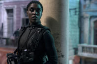 Nomi (Lashana Lynch) is ready for action in Cuba in NO TIME TO DIE, a DANJAQ and Metro Goldwyn Mayer Pictures film. (Credit: Nicola Dove. © 2019 DANJAQ, LLC AND MGM. ALL RIGHTS RESERVED.)