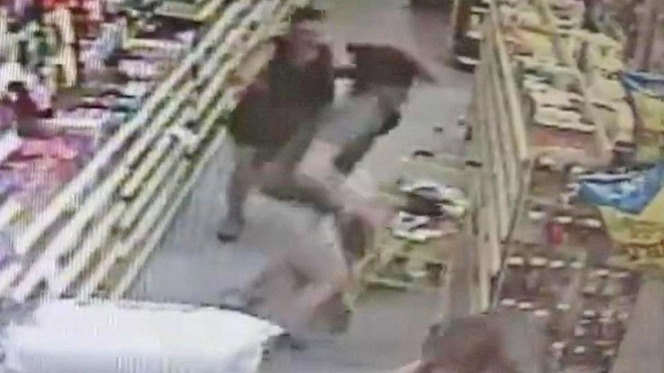 Florida Mom, Off-Duty Deputy Thwart Abduction of 13-Year-Old Girl in Store, Police Say