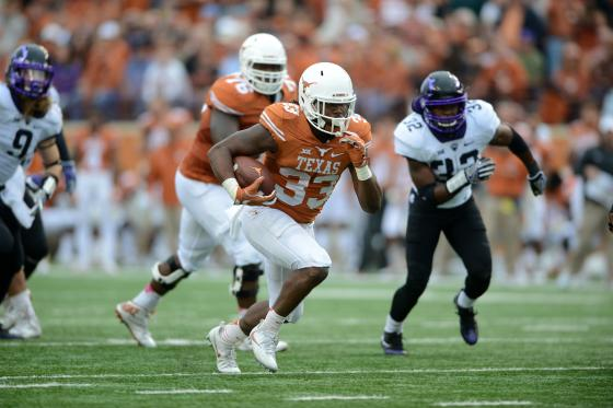 Texas Longhorn RB D'Onta Foreman (33) runs for yardage during NCAA game featuring the Texas Longhorns and the TCU Horned Frogs on November 25, 2016 at Darrell K. Royal - Texas Memorial Stadium in Austin, TX.