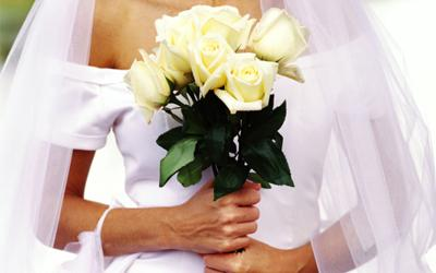 Marriage rates in S'pore hit a historic low, according to the Department of Statistics. (Getty photo)