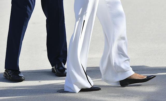 Trump wore flats for her flight to Arizona. (Photo: Getty Images)