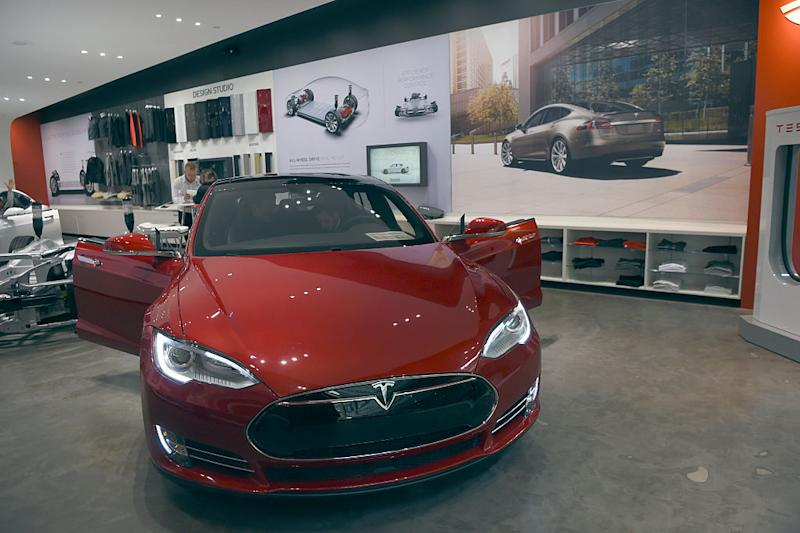 Why Tesla has a 'clear advantage&apos over other automakers Analyst
