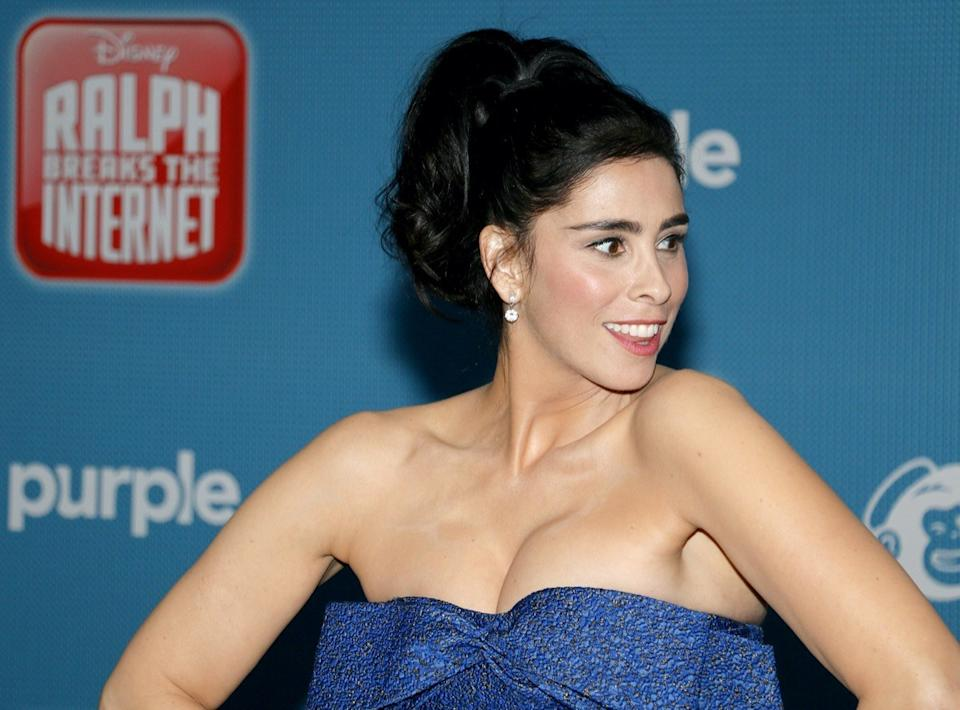 Sarah Silverman wears a blue dress at the premiere of 'Ralph Breaks the Internet' in 2018