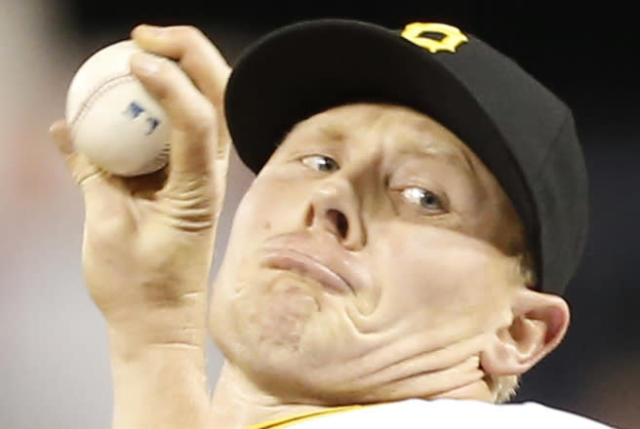 Pittsburgh Pirates relief pitcher Mark Melancon (35) plays in the baseball game between the Pittsburgh Pirates and the Milwaukee Brewers on Saturday, April 19, 2014, in Pittsburgh. (AP Photo/Keith Srakocic)