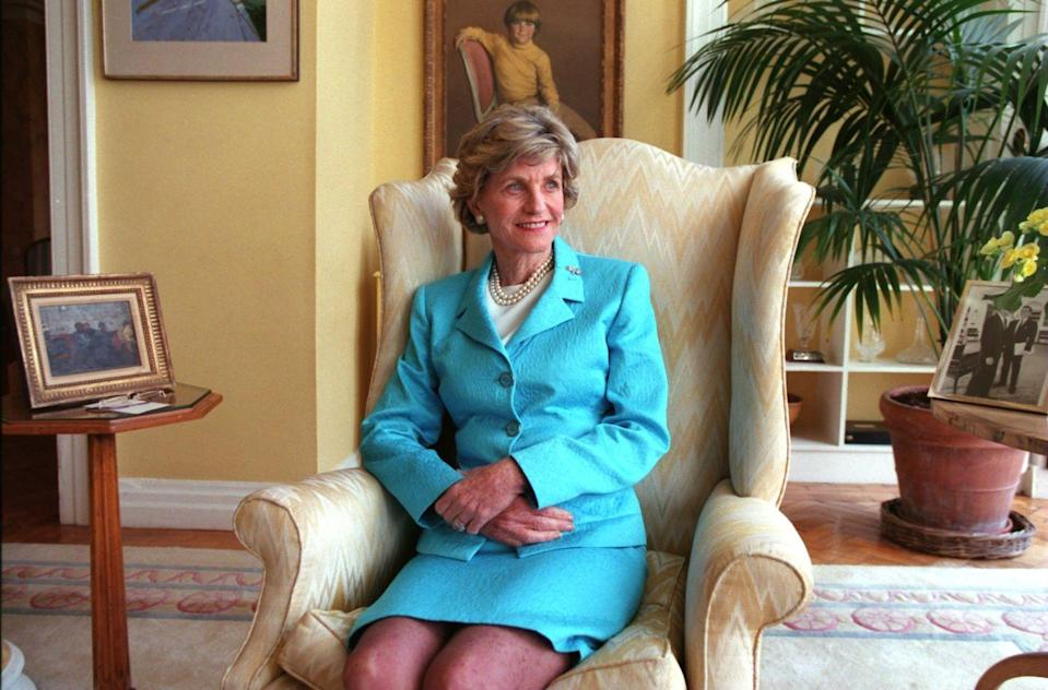 <p>At the end of her term as the U.S. Ambassador to Ireland, Jean took a moment to pose for a portrait at her home.</p>