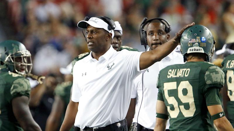 Oregon coach Willie Taggart says hospitalized players 'overworked themselves'