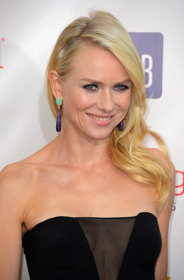 SANTA MONICA, CA - JANUARY 10:  Actress Naomi Watts  arrives at the 18th Annual Critics' Choice Movie Awards at Barker Hangar on January 10, 2013 in Santa Monica, California.  (Photo by Frazer Harrison/Getty Images)