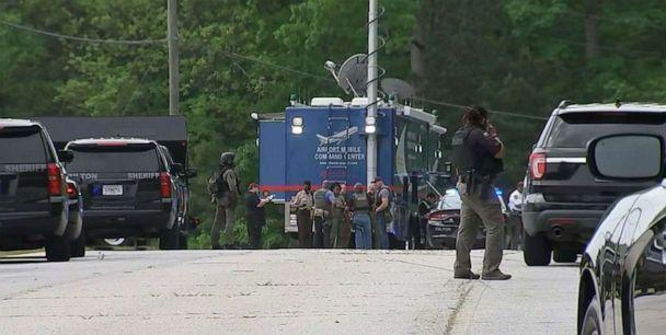 PHOTO: Law enforcement in Georgia search for a fugitive that escaped deputies at Atlanta's airport and ducked into nearby woods, April 29, 2021. (WSB)