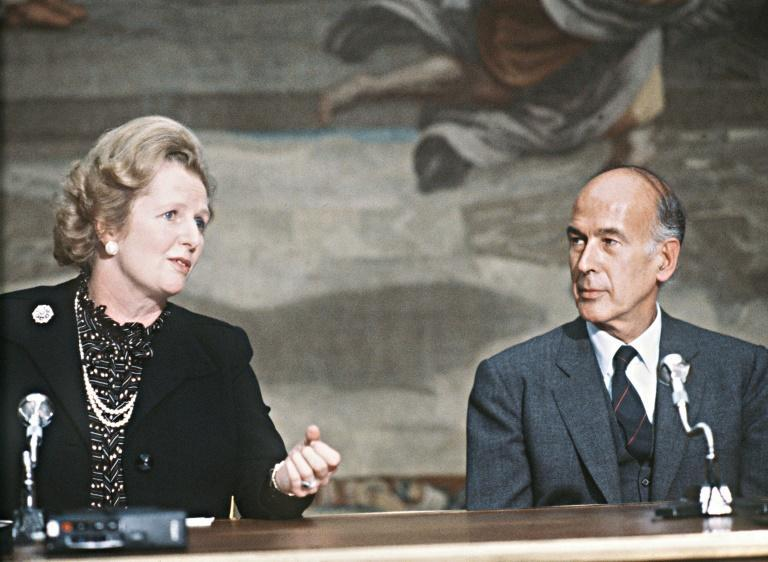 French President Valery Giscard d'Estaing talks with British Prime Minister Margaret Thatcher on September 19, 1980 during the 5th France-Britain summit at the Elysee Palace in Paris