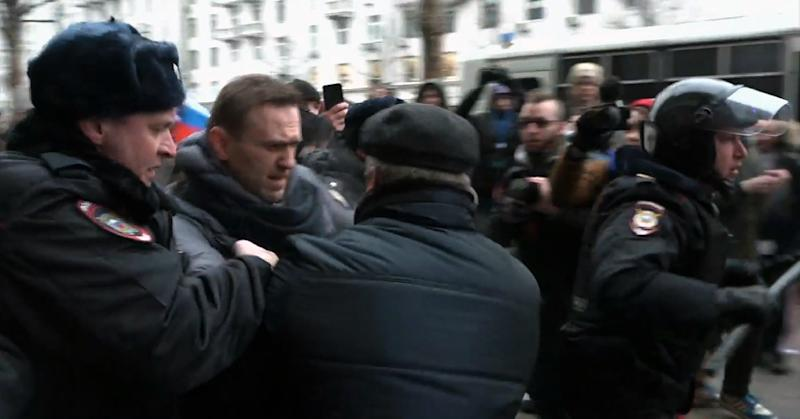 Russian opposition leader Alexei Navalny detained in Moscow