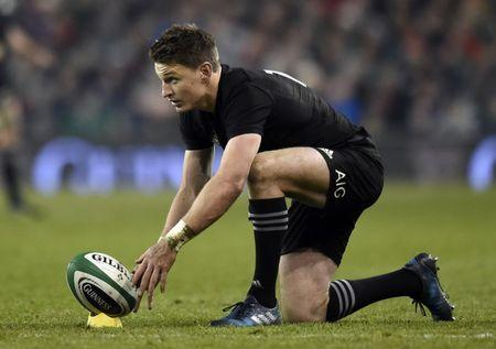 Britain Rugby Union - Ireland v New Zealand - 2016 Guinness Series - Aviva Stadium, Dublin, Republic of Ireland - 19/11/16 New Zealand's Beauden Barrett prepares to take a kick Reuters / Clodagh Kilcoyne Livepic