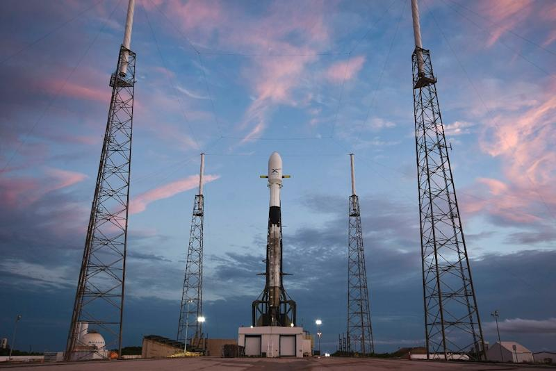 SpaceX set to launch first satellites of its internet network