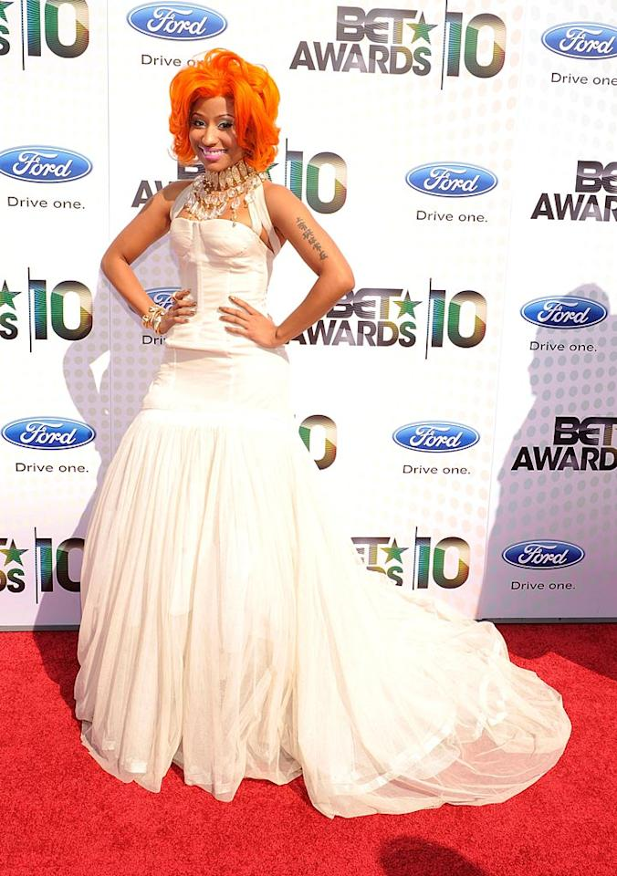 """Nicki Minaj took home the awards for Best Female Hip-Hop Artist, Best New Artist, and ... strangest ensemble for this bride-meets-clown-meets-chandelier Rochas by Olivier Theyskens gown. Kevin Mazur/<a href=""""http://www.wireimage.com"""" target=""""new"""">WireImage.com</a> - June 27, 2010"""