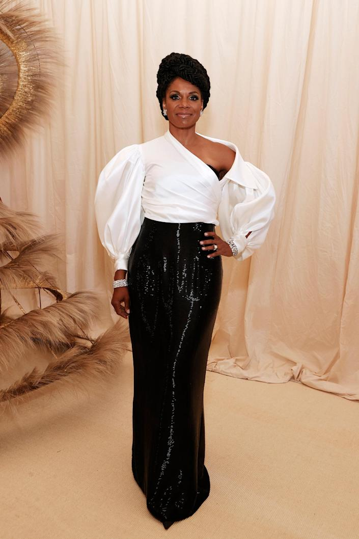 """<h1 class=""""title"""">Audra McDonald in Sergio Hudson</h1><cite class=""""credit"""">Photo: Getty Images</cite>"""