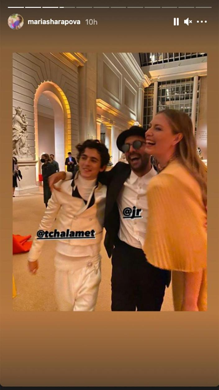 <p>Maria Sharapova couldn't resist a pic with co-chair Timothée Chalamet and artist JR.</p>
