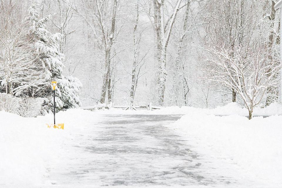 <p>Shoveling is never fun, but you have to appreciate the tranquility of this scene in Phoenixville, Pennsylvania.</p>