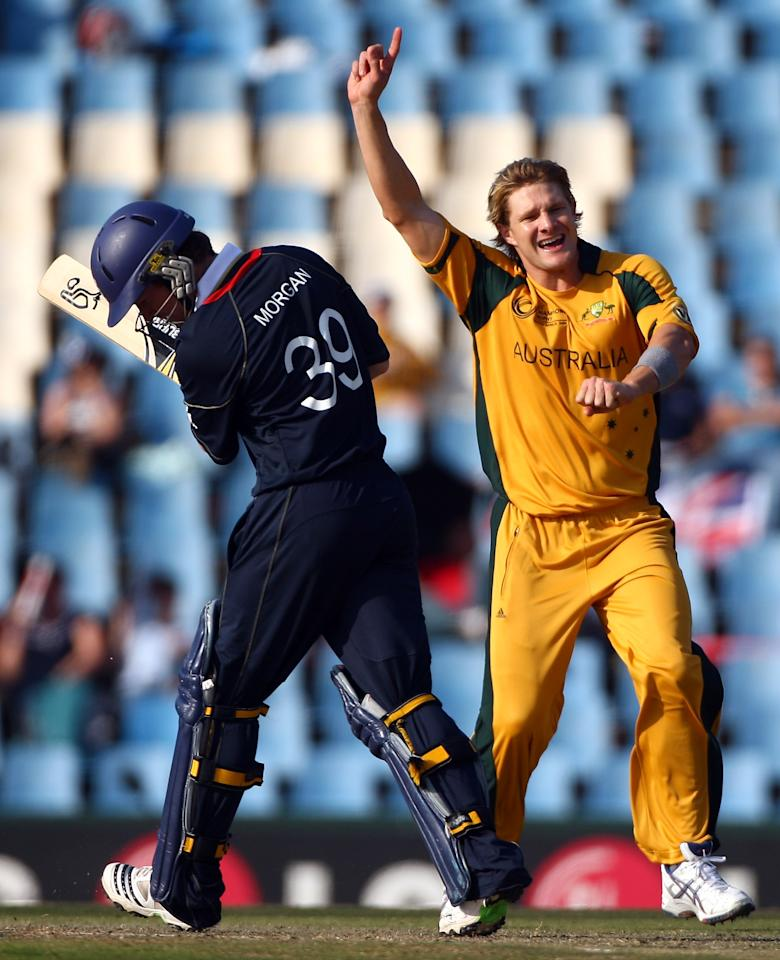 CENTURION, SOUTH AFRICA - OCTOBER 02:  Shane Watson of Australia celebrates the dismissal of Eoin Morgan during The 1st ICC Champions Trophy Semi Final between England and Auustralia at Supersport Park on October 2, 2009 in Centurion, South Africa.  (Photo by Julian Herbert/Getty Images)