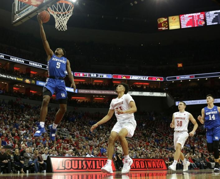 Kentucky's Immanuel Quickley drives to the basket