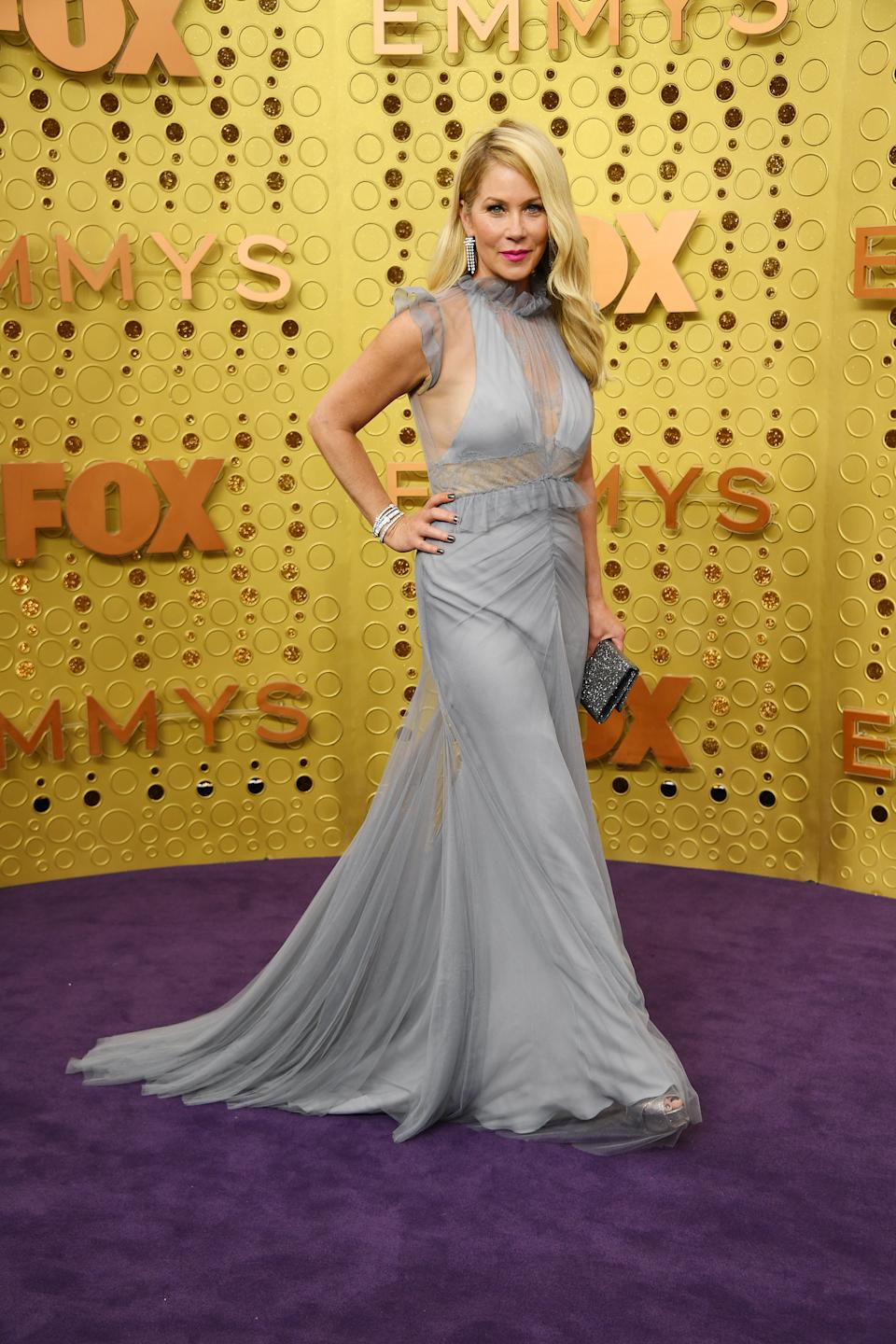 Applegate celebrated her nomination for her Netflix series 'Dead to Me' with a ruffled dove grey gown by Vera Wang. [Photo: Getty]