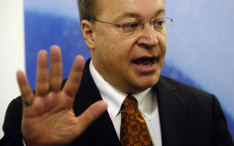 Stephen Elop, CEO of Nokia, speaks during an interview with The Associated Press at the Mobile World Congress in Barcelona, Spain, Monday, Feb. 14, 2011. Nokia Corp. will get billions of dollars from Microsoft Corp. to ditch its current smart-phone software in favor of Windows Phone 7, Nokia CEO Stephen Elop said Sunday, in a defense of the deal. (AP Photo/Manu Fernandez)