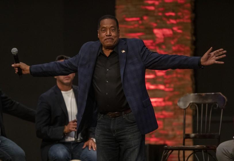 DOWNEY, CA - SEPTEMBER 09, 2021: Gubernatorial candidate Larry Elder gestures to the audience while participating in a town hall meeting at New Season LA/Downey Church in Downey. (Mel Melcon / Los Angeles Times)