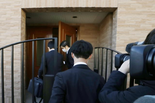 Prosecutors enter Carlos Ghosn's residence