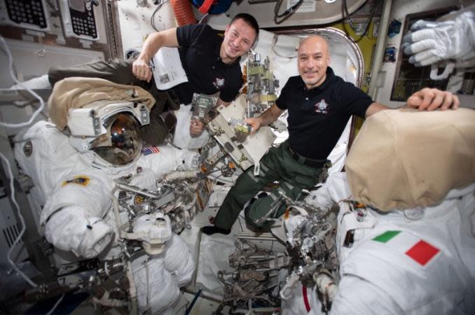 "Spacewalkers do ""open heart surgery"" to repair cosmic ray detector"