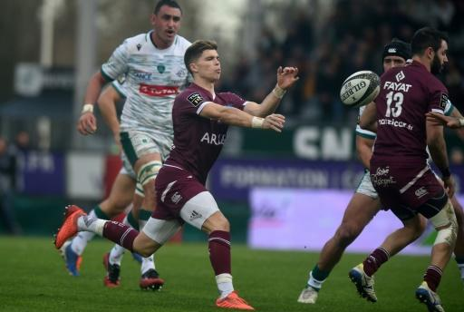 Young France fly-half Matthieu Jalibert set-up both of Santiago Cordero's tries as Bordeaux-Begles moved back to the summit of the Top 14 table