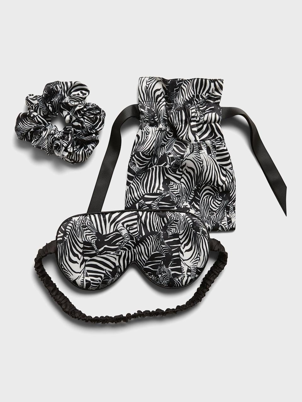 <p>I was so excited to see this <span>Banana Republic Satin Eye Mask & Scrunchie Set</span> ($38)! Not just for Friday night's in but this scrunchy and eyemask set is perfect for when I travel too! </p>