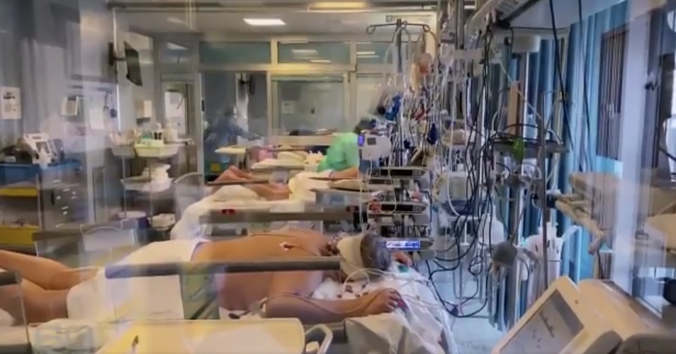 An Italian hospital struggles to cope with the influx in patients. Source: 60 Minutes