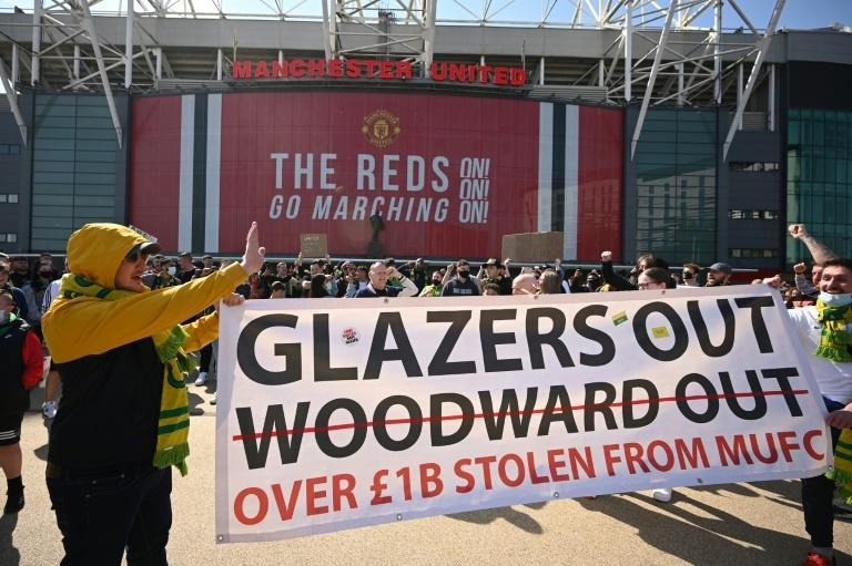 Manchester United fans protested outside Old Trafford on Saturday against the club's American owners, the Glazer family