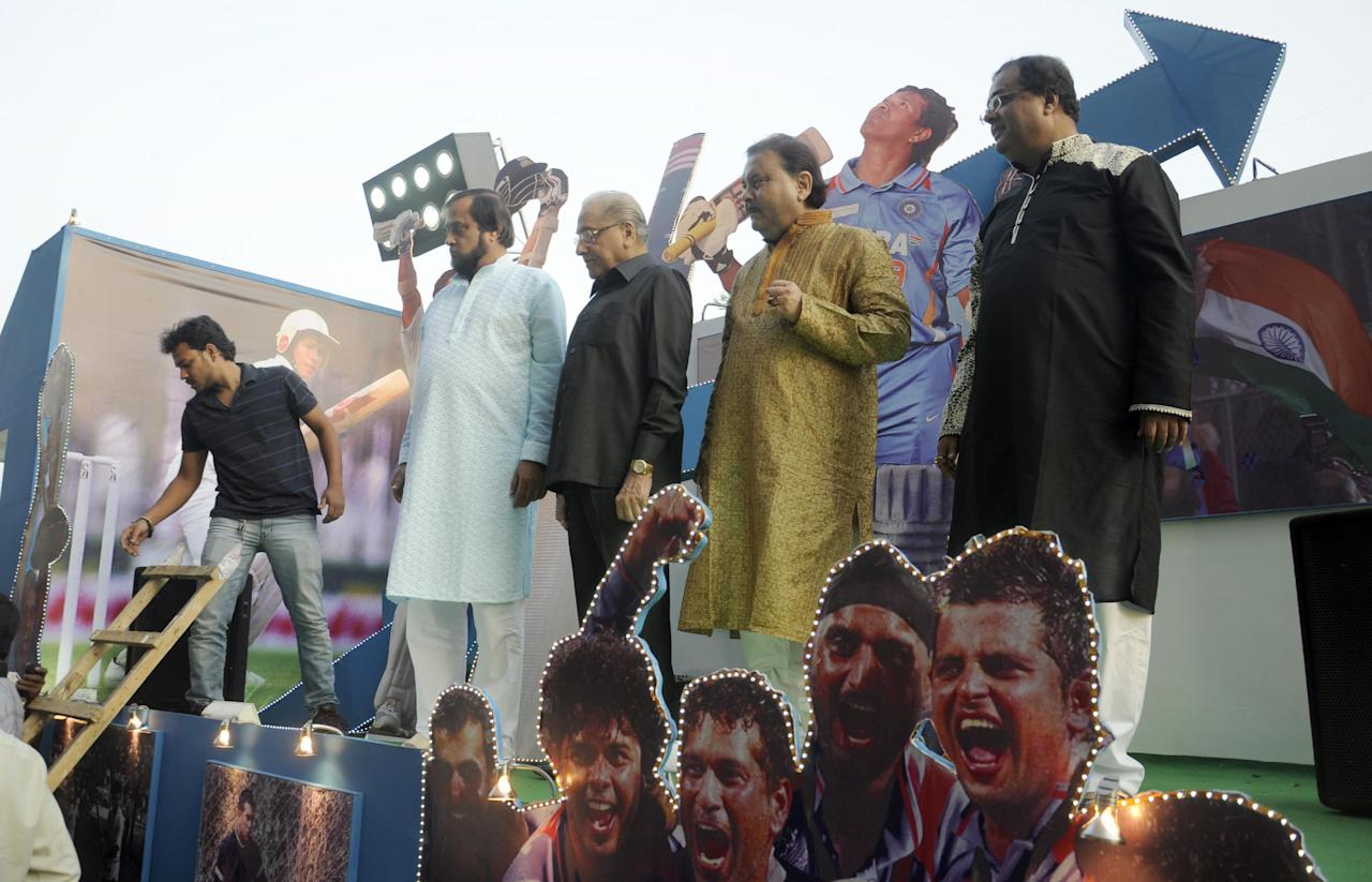 Tableau on Sachin Tendulkar flagged off by CAB president Jagmohan Dalmiya, Minister for Sport and Transport Madan Mitra, and CAB joint secretaries Subir Ganguly and Sujon Mukherjee, among others at Eden Garden in Kolkata on Nov. 3, 2013. (Photo: IANS)
