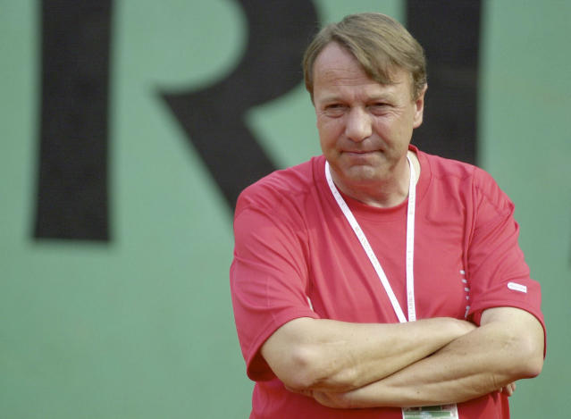 Dirk Hordorff of the German tennis federation believes Wimbledon will be canceled this week. (Christof Koepsel/Bongarts/Getty Images)