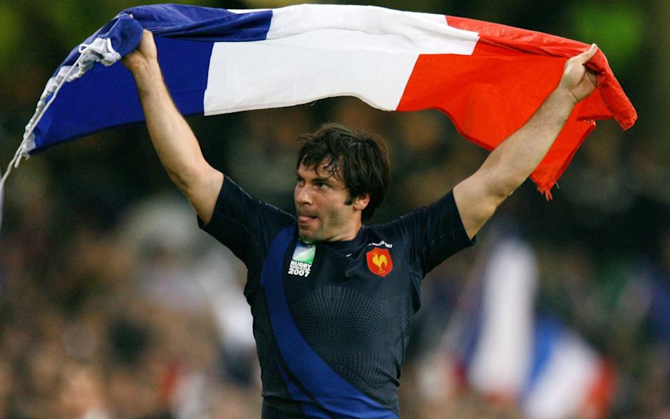 Dominici of France celebrates after the quarter-final Rugby World Cup match against New Zealand in Cardiff, 2007 - Charles Platiau/REUTERS
