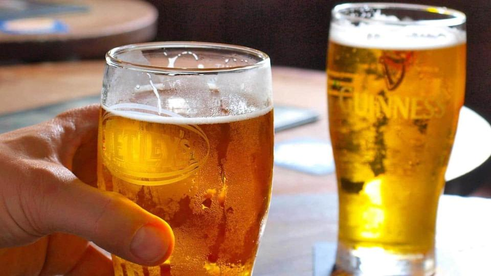 Lower legal drinking age to 21 years: Delhi government panel
