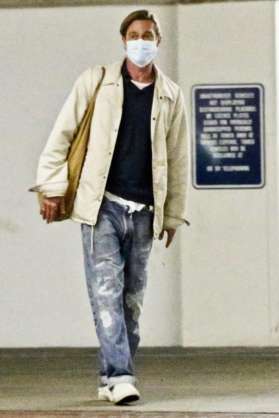 <p>Brad Pitt almost goes unnoticed on Wednesday while leaving an office in Los Angeles.</p>
