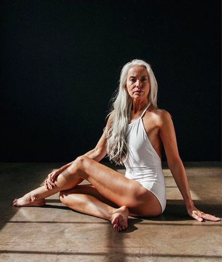 This 61-year-old swimwear model is the epitome of body confidence [Photo: Instagram/@landofwomen]
